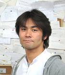 名古屋の整体の院長 榎佳宏です。